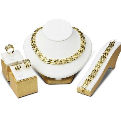 cercei, colier, inel si bratara placate cu aur de black friday http://www.bijuteriifrumoase.ro/cumpara/set-blanka-placat-cu-aur-3382