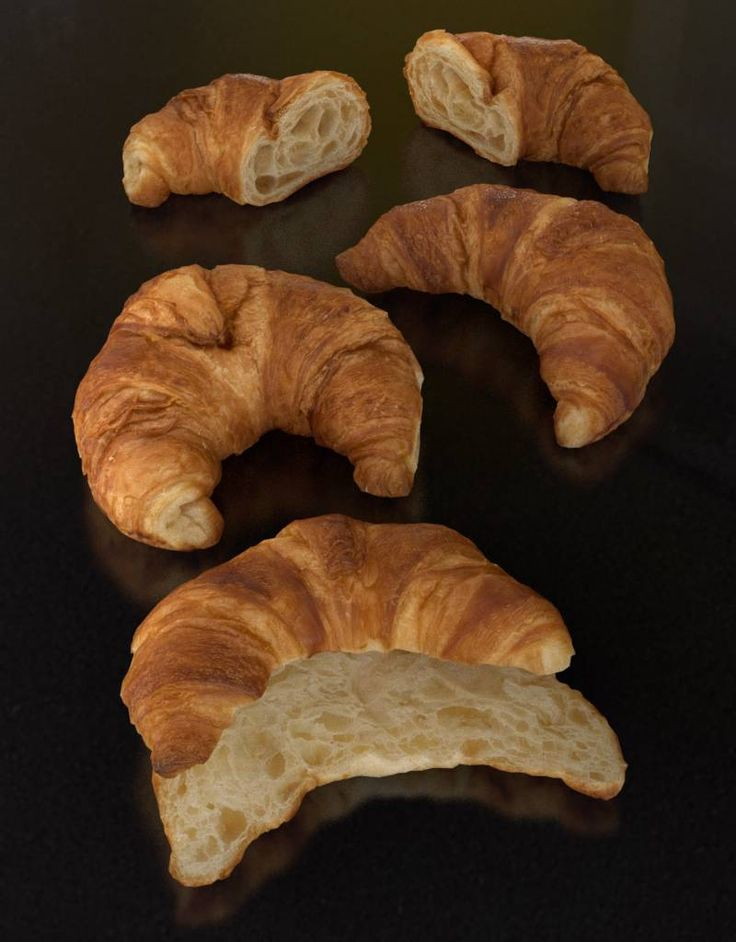 I'd like to show our newest highly photorealistic #3dmodel of croissants (wholes and sliced). Included formats; #c4d, #maxon #cinema4d #c4dtoa #object (for all other 3d software like #3dmax, #blender, #maja,#modo etc.) Available and affordable for all Graphic Designers and 3D enthousiasts. What you see is what you get! (Not photoshopped but original #render ) The content is royalty free and may be published, broadcasted and distributed across all #media #greyscalegorilla www.CG-Moa.com