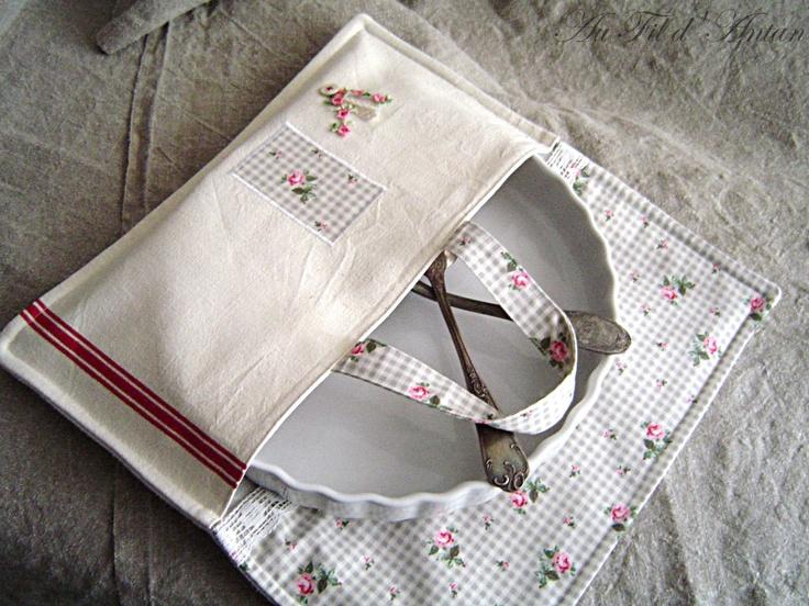 Sac à tarte / sac à gâteaux en torchon ancien, Vichy gris, roses