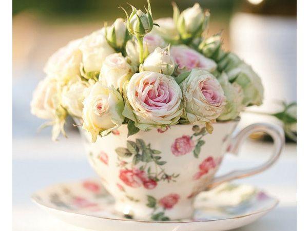 Centro de mesa para boda con taza estampada