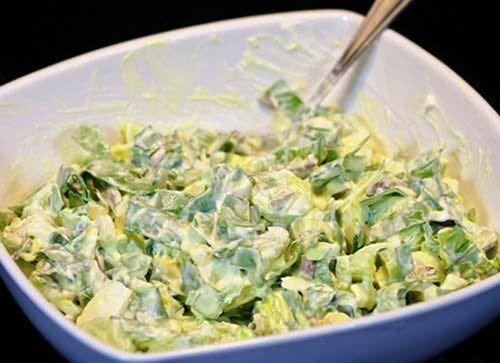 Pripravte si jednoduché a svieže šaláty na každý deň. Počas horúcich dní, sa málo ktorým gazdinkám chce dlho stáť za sporákom a vyvárať. Každá hľadá čo najrýchlejší spôsob, ako pripraviť jedlo...