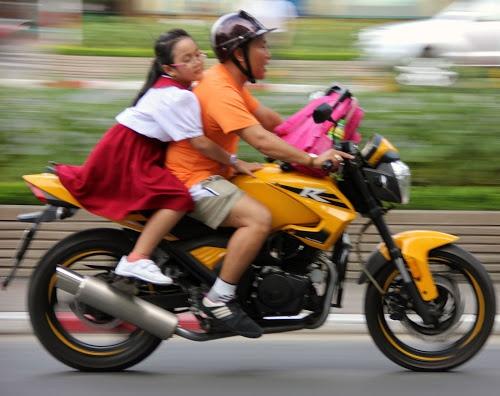 http://www.forovietnam.com/fotos-de-viaje-adivina-el-lugar/la-mejor-foto-del-viaje-a-vietnam/ Mi mejor foto de Vietnam: Vietnamitas en moto - Foro Vietnam - Página 2