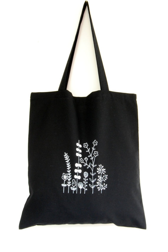 Hand screen printed cotton tote bag by Arigato-Bcn on Etsy.