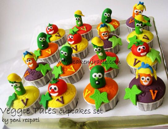 Awsome birthday cupcakes veggie style