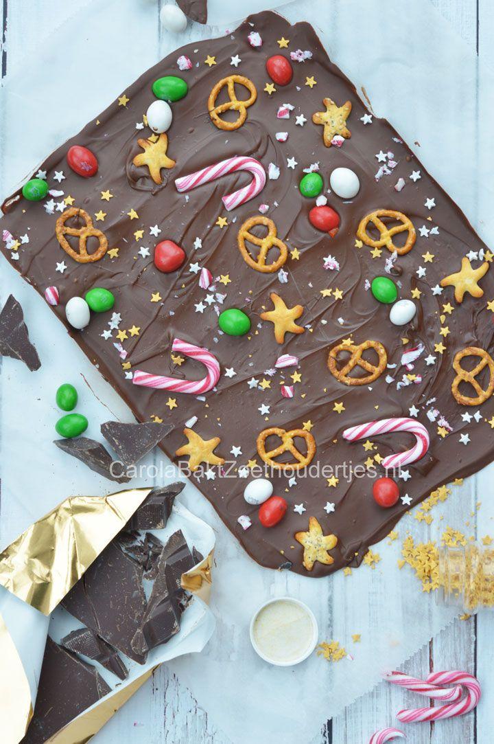 Chocolade versieren vind ik zo leuk! Ik heb eigenlijk ook best wel wat restjes van andere recepten rond de feestdagen. Kerstchocolade. Make this Christmas your own chocolate.