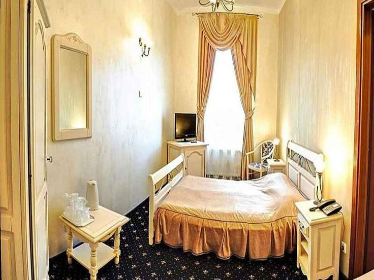 O saptamana la munte Vatra Dornei Hotel Carol, oferta sejur 5 nopti cazare in camera dubla fara mic dejun la numai 260 lei / persoana / sejur, oferta la munte