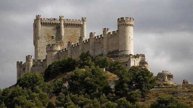 Peñafiel Castle, Peñafiel, Valladolid, Castilla y León, Spain.