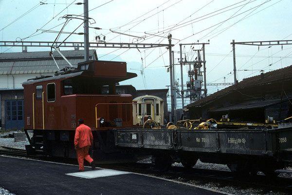 Te 2/2 No 74 mit Dienstwagen Kkl 7058