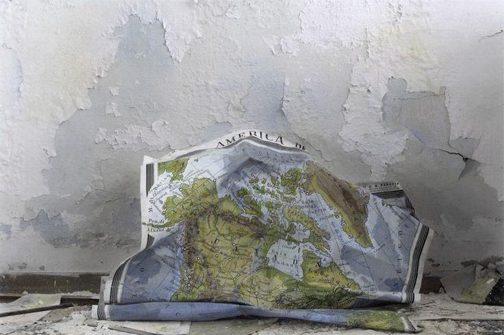 http://www.fotografiaeuropea.it/fe2014/mostra-silvia-camporesi/ Silvia Camporesi, Planasia #3 (scuola), Isola di Pianosa, 2014, stampa in bianco e nero su carta fotografica archival matte colorata a mano. Courtesy Silvia Camporesi
