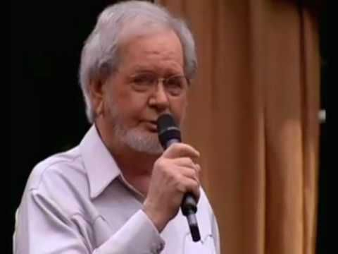 Hank Locklin Sings His Self Penned Hit Send Me The Pillow