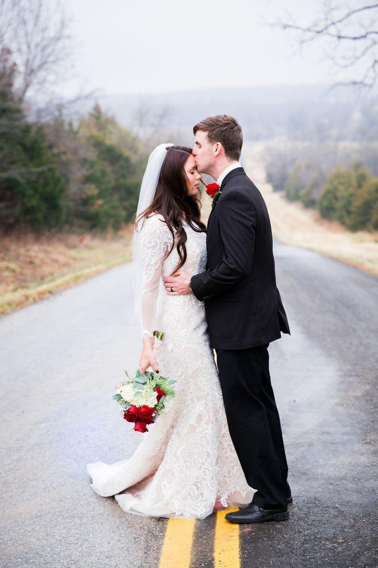 Springfield Mo Photographers Providing Lifestyle Wedding And Portrait Photography