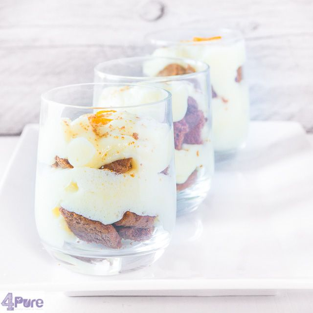 orange pudding with coffee cookies - English recipe - Of course you can buy ready made dessert. But the most delicious desserts are those you just make yourself in your own kitchen. With a few minutes cooking time and some extra waiting time, you get this delicious orange pudding recipe with cookies.