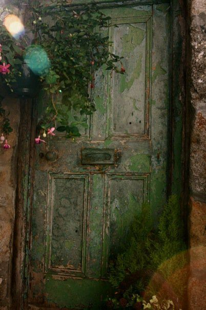 brocantehome:    vintagerosebrocante:    umla:    anabundanceof:    (via linneashage)  abundance