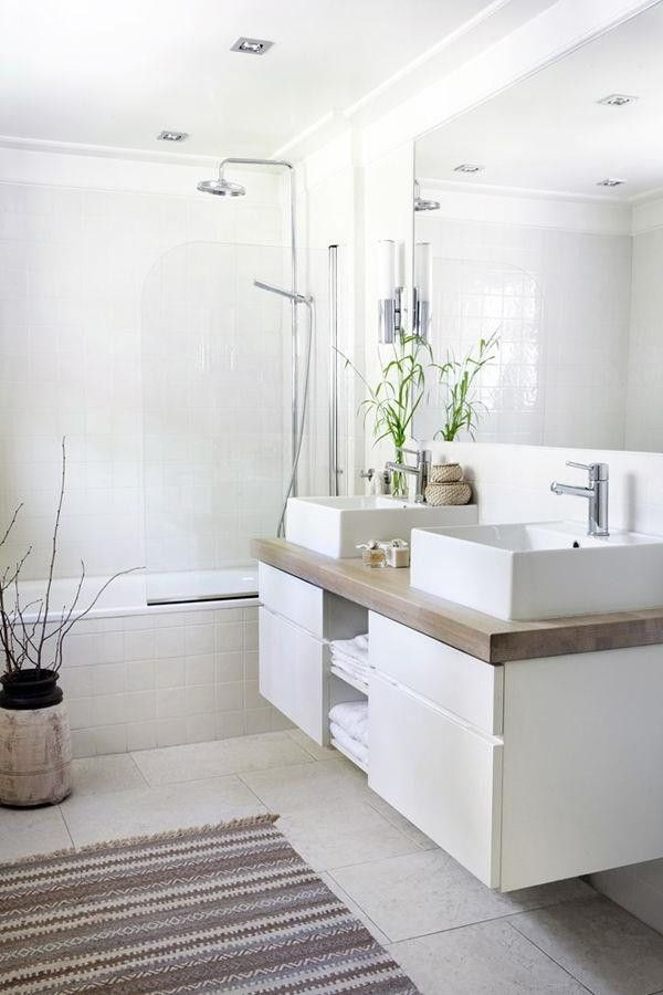 Bathroom set white color for the walls