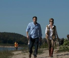 Gone Girl Photos: Ben Affleck Searches, Rosamund Pike Disappears!
