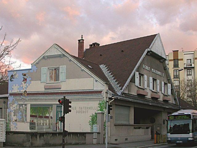 ECOLE DIDEROT - Peinture ©2006 par Nessé -                            Trompe-l'œil, fresque, école diderot grenoble, trompe l'oeil, peinture murale, façade, jérôme favre, street art