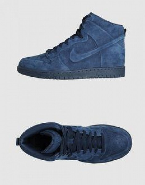 Blue suede Nike's!  I'm pretty sure Elvis would want me to have these.