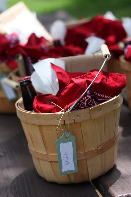 Individual picnic baskets Really cute idea for a party too!