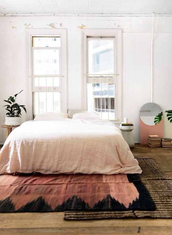 Layering med fargerike tepper! Jeg er veldig glad i å tilføre litt farger i hjemmet med tepper. Jeg har allerede et helt fantastisk teppe fra Atlasfjellene.