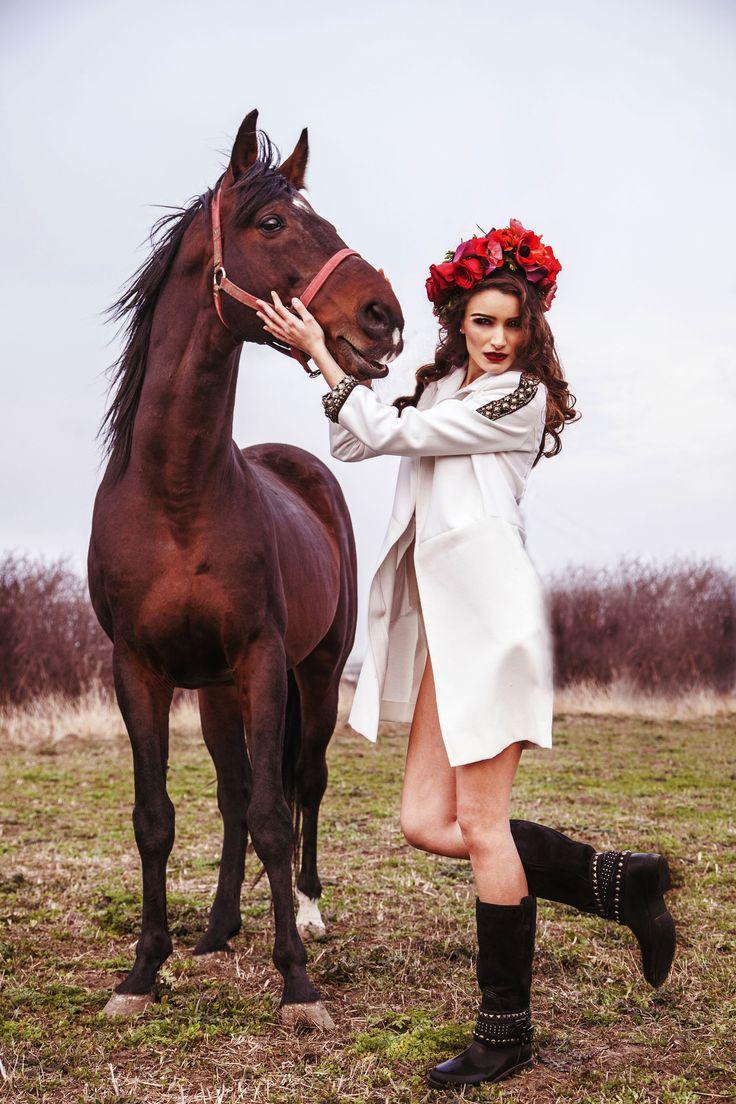Horse & Fashion Roman Gabriella Design Ciosa Otilia wearing ROMAN GABRIELLA's baby white coat!  https://www.facebook.com/RomanGabriella.Designer