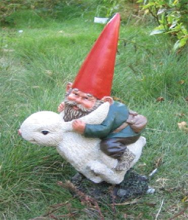 Make Garden gnomes Statues | Are you a fan of the garden gnome? Have any in your garden? Do you ...
