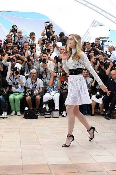 "Erin Moriarty Photos Photos - US actress Erin Moriarty poses on May 21, 2016 during a photocall for the film ""Blood Father"" at the 69th Cannes Film Festival in Cannes, southern France.  / AFP / ANNE-CHRISTINE POUJOULAT - 'The Salesman (Forushande)' Photocall - The 69th Annual Cannes Film Festival"