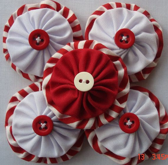 Peppermint Fabric yo yo Applique Embellishment by OutaAfrica