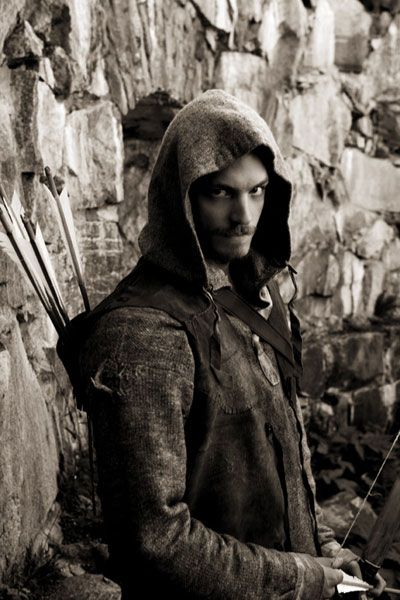 Joel Kinnaman - such a great performance in a flawed series. Looking forward to more from him.