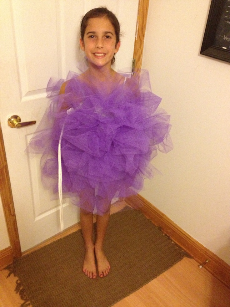 DIY luffa costume...used only about 5 yards of tulle...cut strands, bunched them together with a rubber band, pinned them on a shirt, added string...easy as that! :D ...all the other blogs I've read used 20-25 yards of tulle and had confusing instructions...ain't nobody have time for that!!