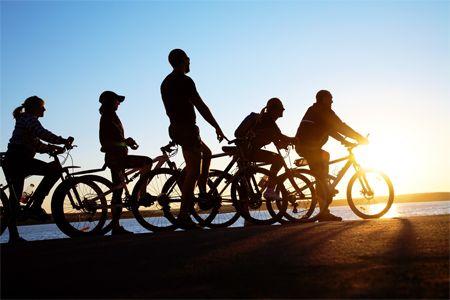 Trascorrere le #ferie in compagnia è bene, fare anche una #vacanza sportiva è meglio!   Scopri i nostri #consigli: http://www.dimmidisi.it/it/dimmicomefai/stare_in_forma/article/in_vacanza_in_bici_con_gli_amici_sport_divertimento.htm - #dimmidisi #benessere #salute #fitness #sport #viaggi #holidays