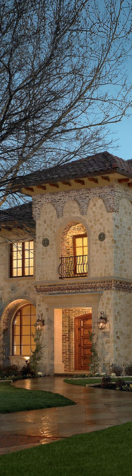 Tuscan stone and brick design details