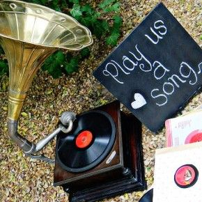 gramophone hire - Quirky Parties