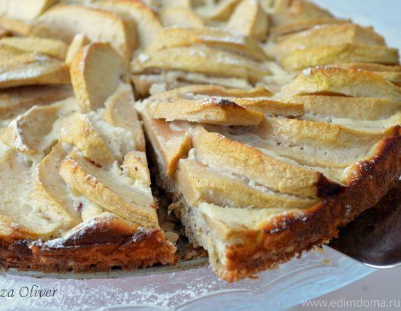 Диетический яблочный пирог с овсянкой и йогуртом