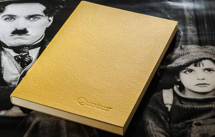 Qual'è il vostro film preferito di Charlie Chaplin? Scrivetelo nel vostro Quaderno Cinema, il regalo perfetto per tutti gli appassionati della settima arte.  What is your favourite movie of Charlie Chaplin? Write it in you Notebook Cinema, the perfect gift for all lovers of movies.