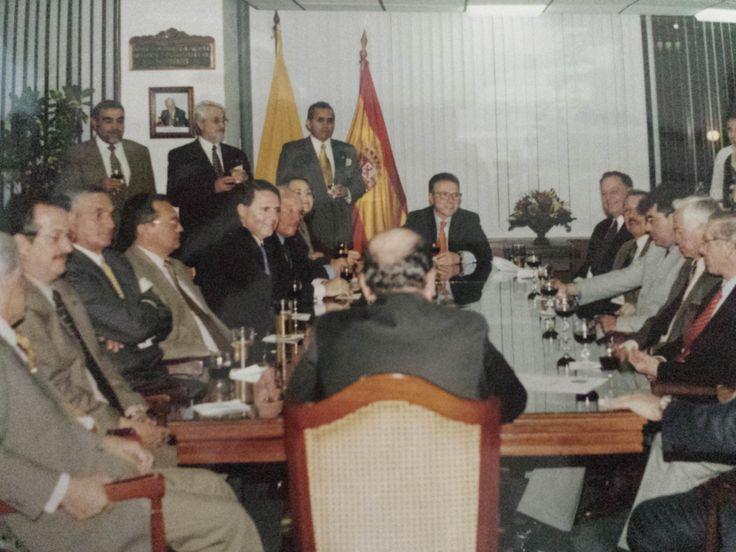 Despedida Ministro Consejero Dn. Pedro Calvo Sotelo el 26 de Julio del 2002 en las Oficinas de la Cámara