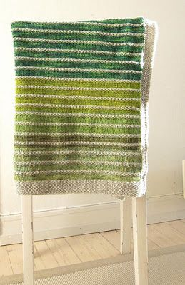 with sticks: Rest o'Hoi | Pinneguri's gorgeous striped blanket, using scraps of yarn. Page is in Norwegian, but with Google Translate's help, go check out the pattern & steeking instructions.