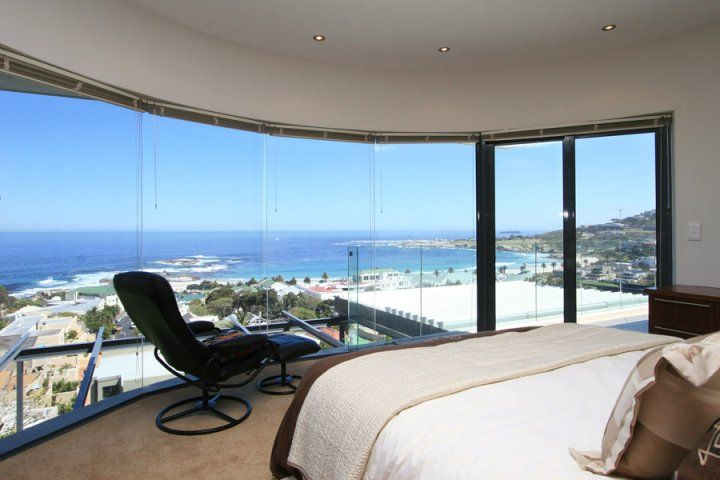 Holiday Villa in Camps Bay with Views over the Atlantic Ocean | Panacea is a newly furnished holiday villa with breathtaking views over the Atlantic ocean.
