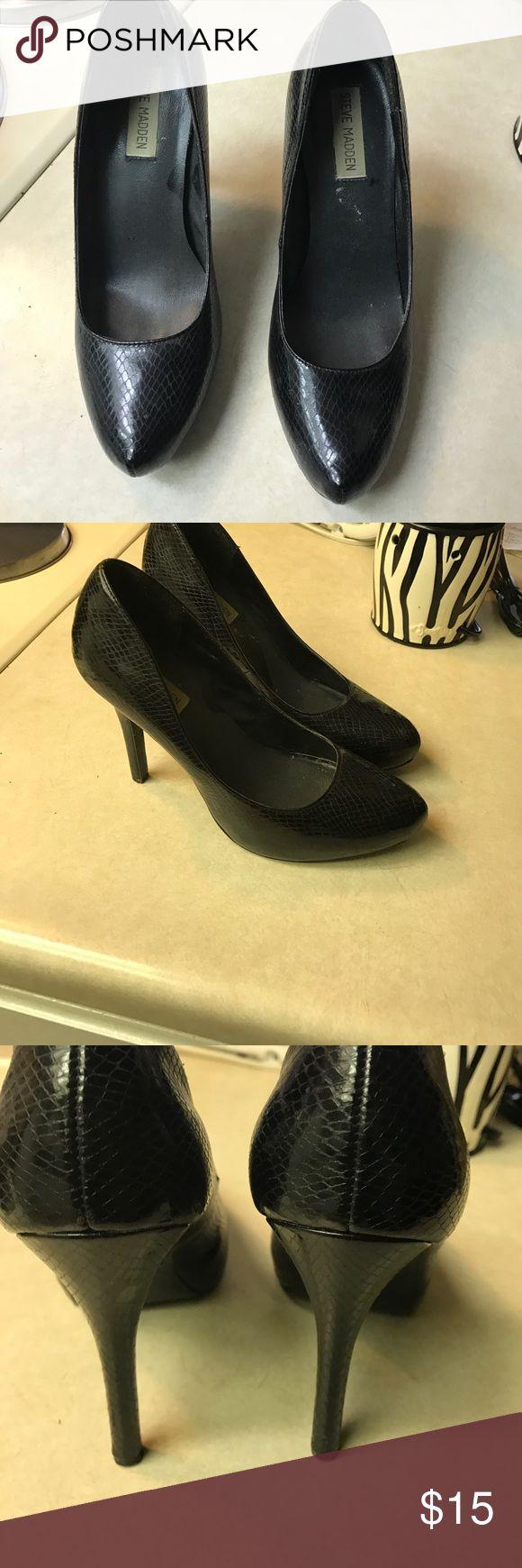 Steve Madden high heel Black Steve Madden high heels . Snake skin scale print . Good condition Steve Madden Shoes Heels
