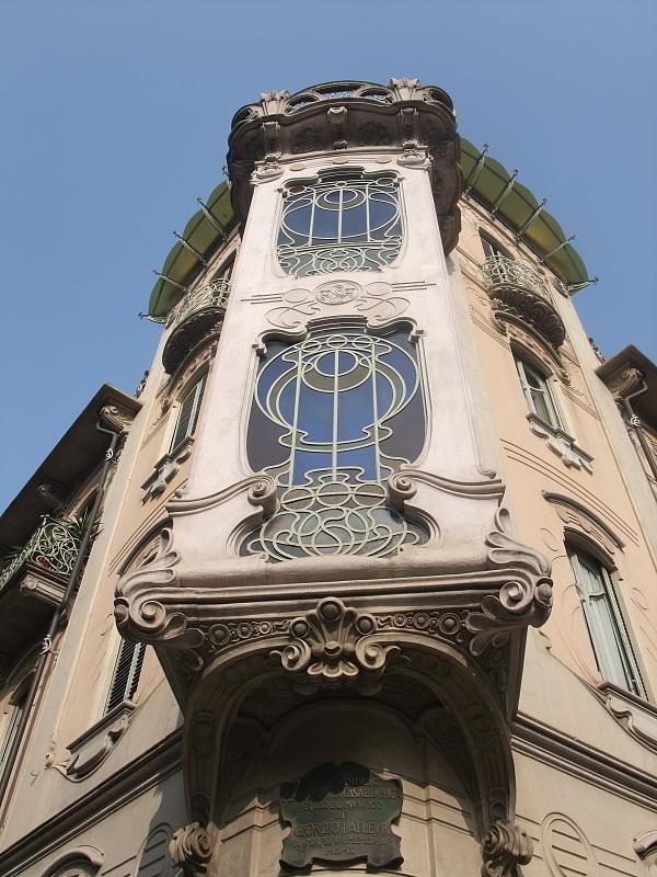 Casa Fenoglio-Lafleur, corso Francia 12
