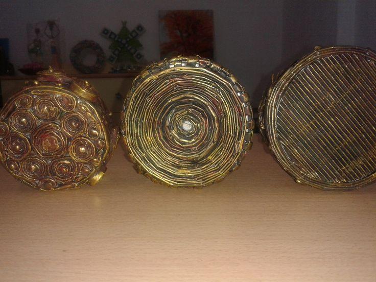 bottoms - newspaper crafts -