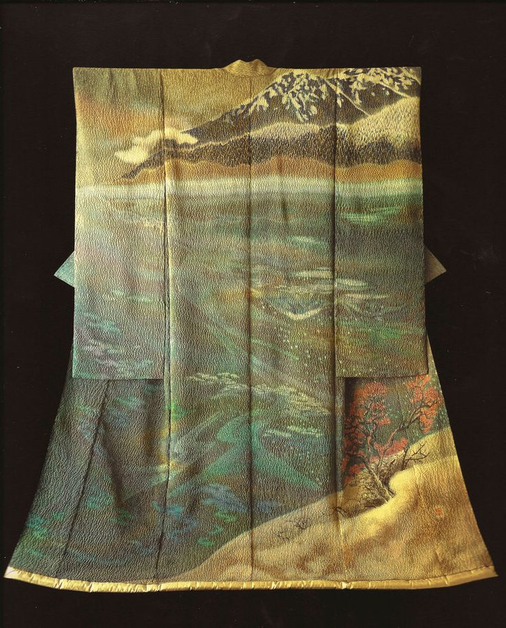 The Moment of First Cold (1986) by the Late Japanese textile artist Itchiku Kubota(1917-2003) form the exhibition,Kimono as Art: The Landscapes of Itchiku Kubota, Canton Museum of Art in Canton, Ohio