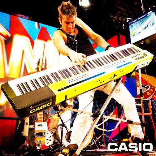 Juninho Carelli - A ponte faz parte da banda do Programa Pânico e leva a #Casio com ele!   #CasioTeclados #JuninhoCarelli #Band