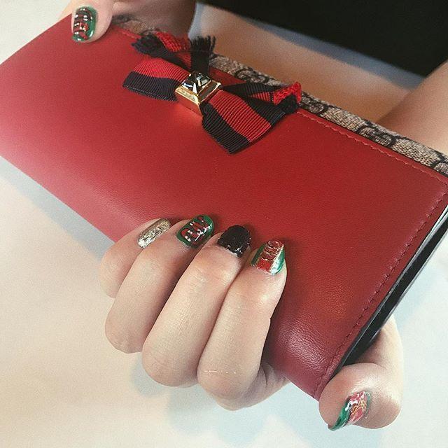 . . . ゆずこ お〜きゃわ!♡ かわゆす!財布もネイルも!💅 . #gucci #guccinails #l4l #nail #セルフネイル #ネイル
