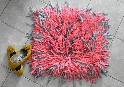 Tutorial para hacer una alfombra peluda | ManualidadesBlog