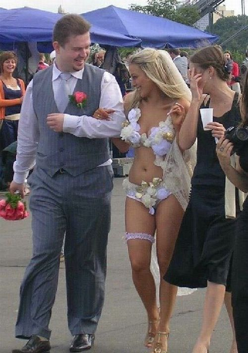 Funny Wedding Pics #funny #wedding http://www.facebook.com/BlueRainbowDesign