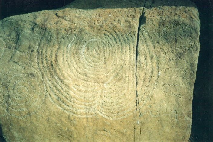 Knowth carving des roches pinterest