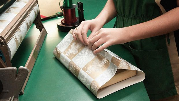 Secrets Of A Professional Gift Wrapper: Wrap your gifts this year like a true perfectionist.