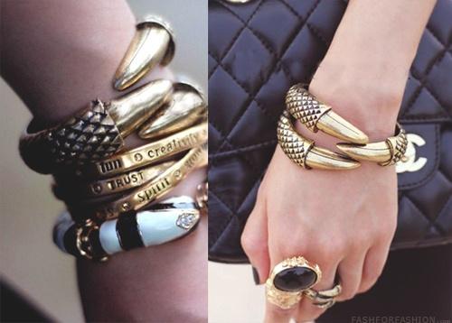 need: Dragon Claws, Gold Bracelets, Fashionn, Accessor Time, Fashion Jewelry, Bangles Bangles, Fashion Inspiration, Fashion N, Handbags Accessories