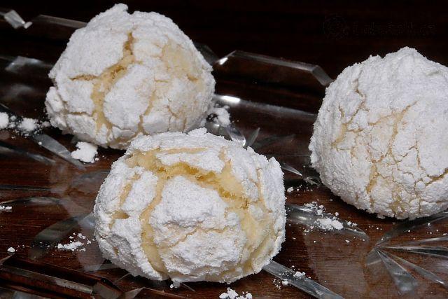 Kokosovo-citronové a red velvet crinkles