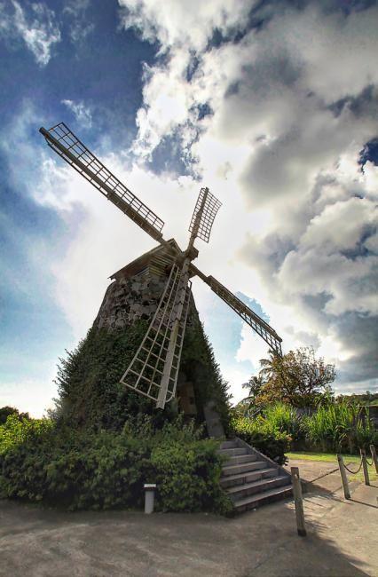Le moulin à vent de la distillerie Trois-Rivières à Sainte-Luce. #Martinique #rhum